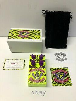 NEW Steel Panther Poontang Boomerang Guitar Pedal Limited Edition Box/Paperwork